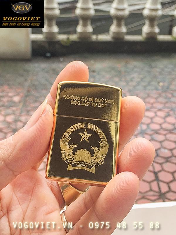 Bật lửa zippo Mỹ chính hãng mạ vàng 24K ảnh 2