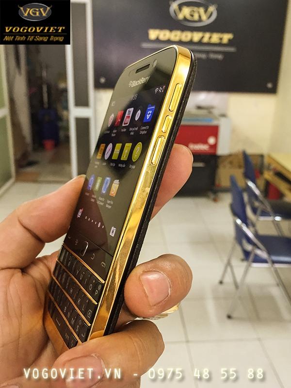 BlackBerry Classic mạ vàng ảnh 4