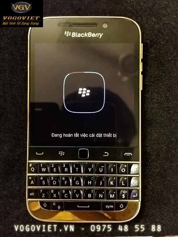 BlackBerry Classic mạ vàng ảnh 2