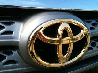 Mạ vàng logo ô tô